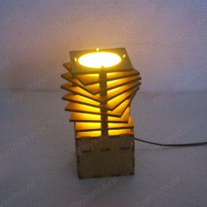 Светильник из дерева для интерьера